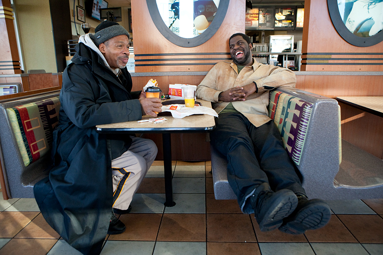 photoblog_chicago_freelance_photojournalist_michaeljarecki_rhymefest_rapper_father_breakfast_laughing_relationship