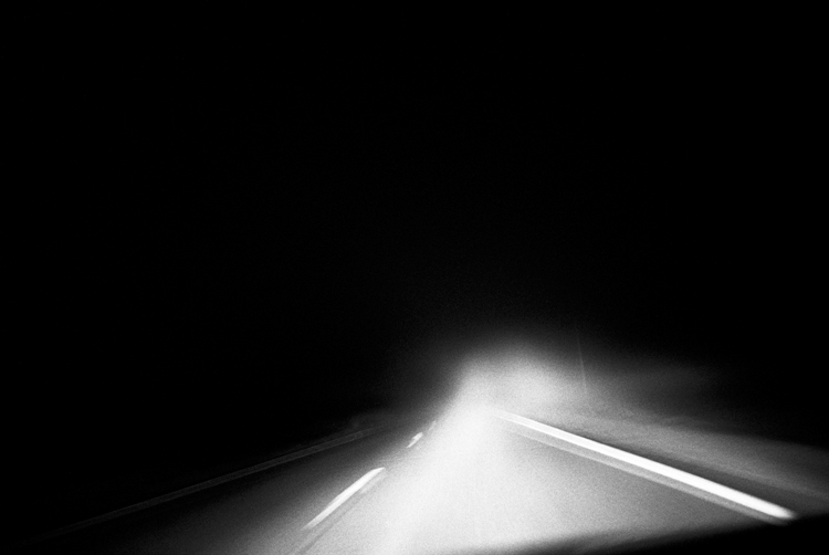 photoblog_chicago_freelance_photographer_michaeljarecki_fog_road_wisconsin