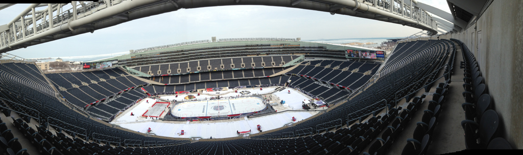photoblog_chicago_freelance_photographer_michaeljarecki_soldier_field_hockey_pano_ice_NHL_stadiumSeries_Blackhawks_Penguins