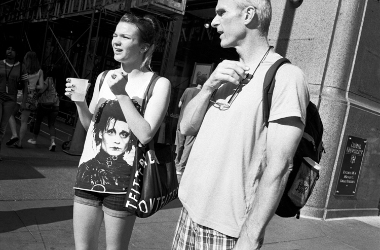 photoblog-freelance-photograph-michaeljarecki-photojournalist-street-black&white-hair-people-strange-edward-scissor-hands-t-shirt