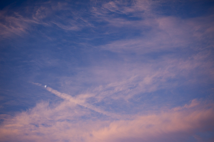 photoblog-freelance-photographer-michaeljarecki-photojournalist-chicago-landscape-moon-sky-clouds-awesome-vibrant-cool-color