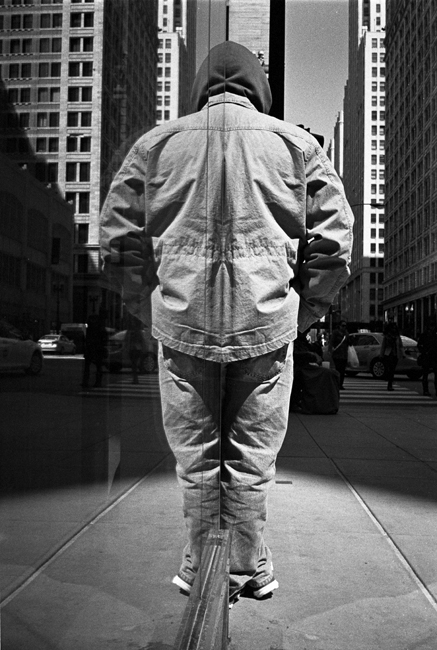 photoblog-freelance-photographer-michaeljarecki-photojournalist-street-photography-black&white-reflection-cool-awesome
