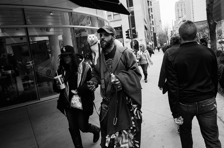 photoblog-freelance-photographer-michaeljarecki-commercial-street-Black&white-candid-future-cool-awesome-cat-pet-feline-people-downtown-michigan-avenue-street_photography