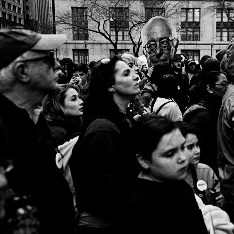 photoblog-freelance-photographer-michaeljarecki-commercial-street-Black&white-candid-people-bernie_sanders-supporters-politics-rally-democrats