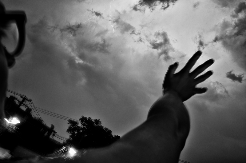 photoblog-freelance-photographer-michaeljarecki-commercial-street_photography-life-candid-black&white-summer-storms-sky-hand-graphic-epic-america