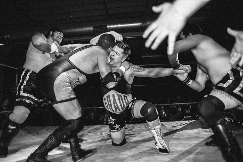 photoblog-freelance-photographer-michaeljarecki-commercial-blackwhite-freelance-wrestling-action-sports-entertainment