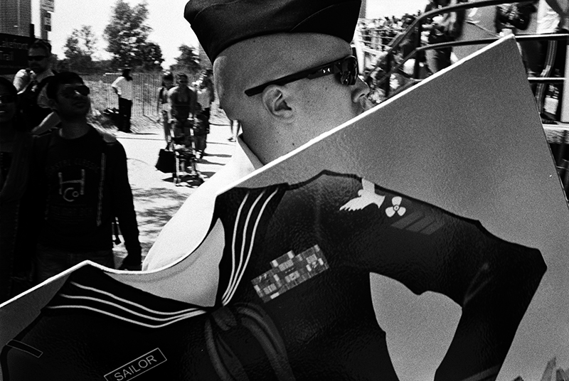 photoblog-freelance-photographer-michaeljarecki-commercial-street_photography-life-navy-veterans_day-support_our_troops-sailor-military-blackwhite