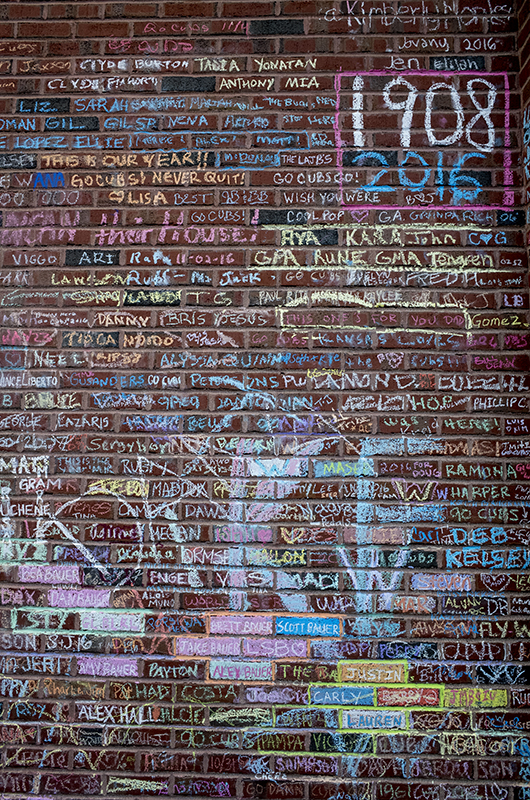 photoblog-freelance-photographer-michaeljarecki-commercial-street_photography_colors-vibrant-wrigley_field-chalk_writings-memorial-cubs-world_series-iconic